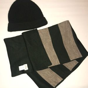 Men's J Crew matching hat and scarf
